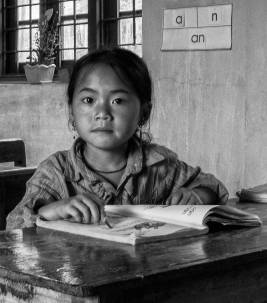 girl-in-the-classroom-sharp-sefex